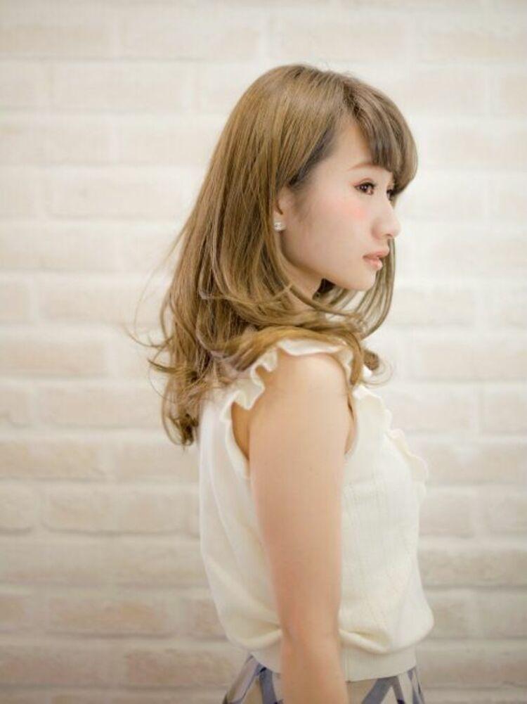 Richer hairsalon リシェル渋谷-高野章  耳かけブリーチベージュ