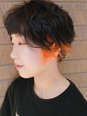 ショートヘアー&オレンジデザインカラー