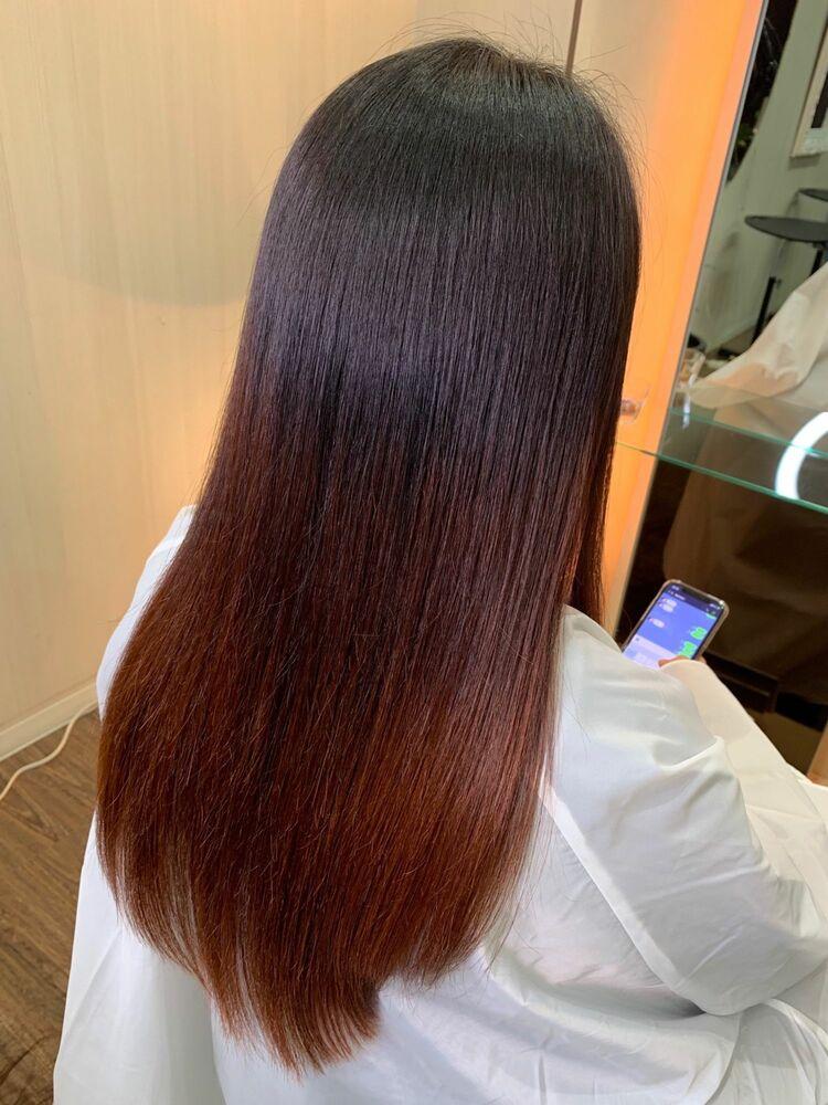 縮毛矯正で髪の毛にハリコシを与える