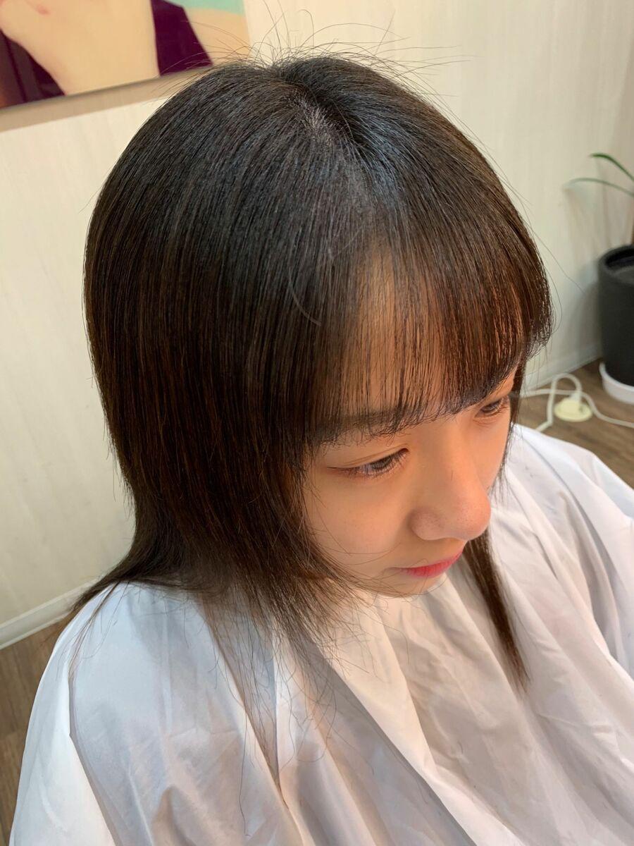 前髪縮毛矯正で真っ直ぐになりすぎない自然な前髪