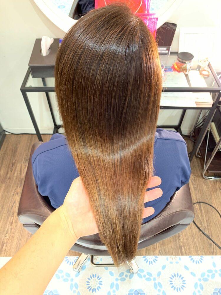 髪の毛一本一本の質感を整える髪質改善縮毛矯正