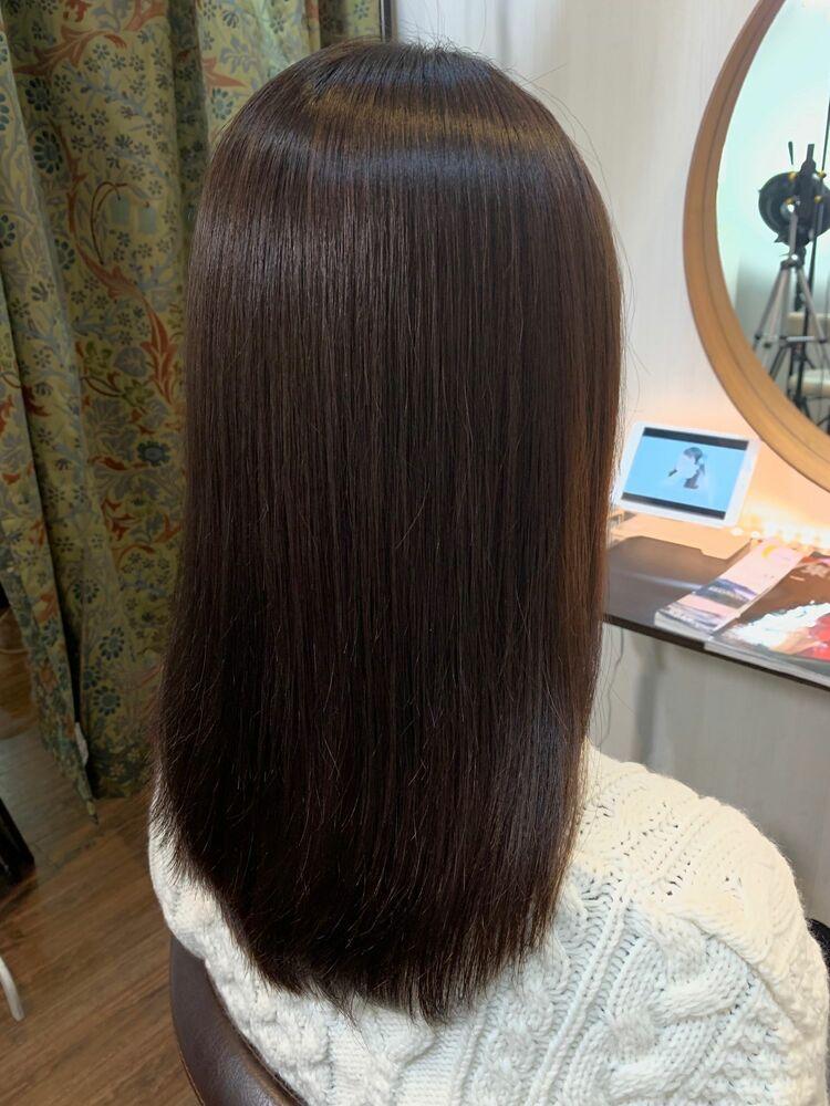 髪質改善ストレートパーマでナチュラルストレートスタイル