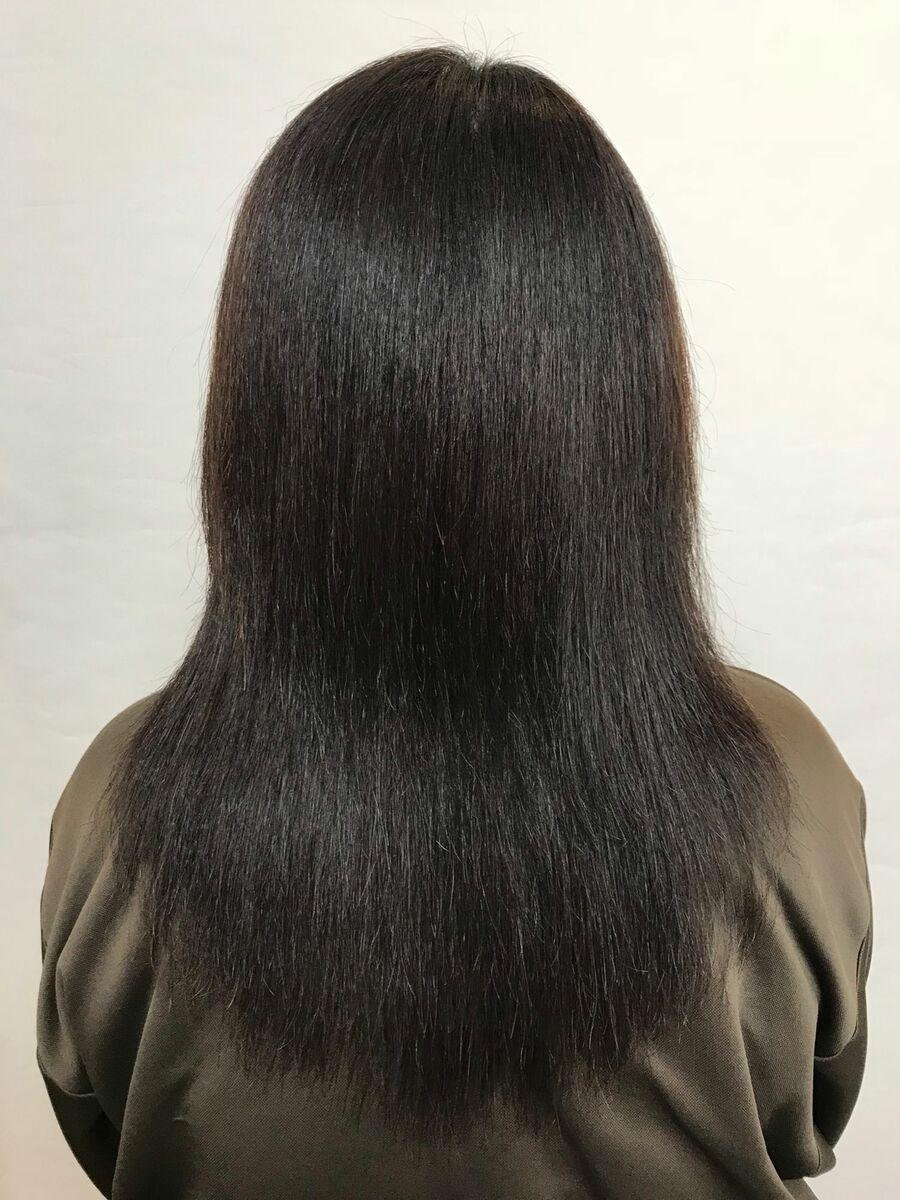 白髪染め・縮毛矯正履歴のある髪に髪質改善縮毛矯正でナチュラルツヤストレートスタイル「