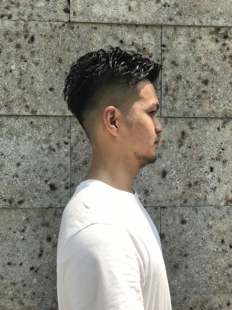 外国人風ポンパドールヘア