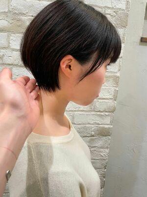 丸みが可愛い耳掛け ショートヘア