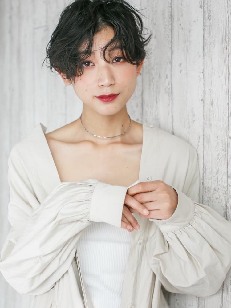 2019秋冬センタパートの黒髪パーマ