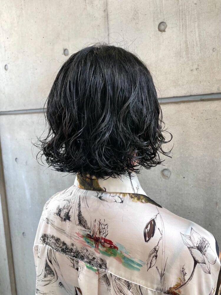 【パーマの達人 本木】大人カジュアル ボブパーマ 簡単スタイリング 切りっぱなしボブ 黒髪ショート
