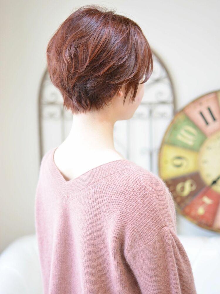 大人可愛い赤髪ショート・インスタグラム @shiko_kajihara