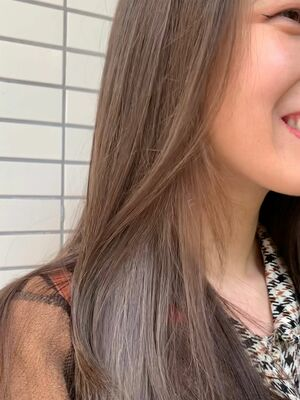 透明感ベージュカラー*細めハイライトで立体感のある髪に