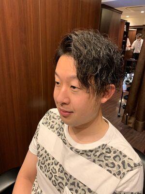ツイストスパイラルパーマ 田町 理容室 床屋 七三 かきあげ 耳かけスタイル