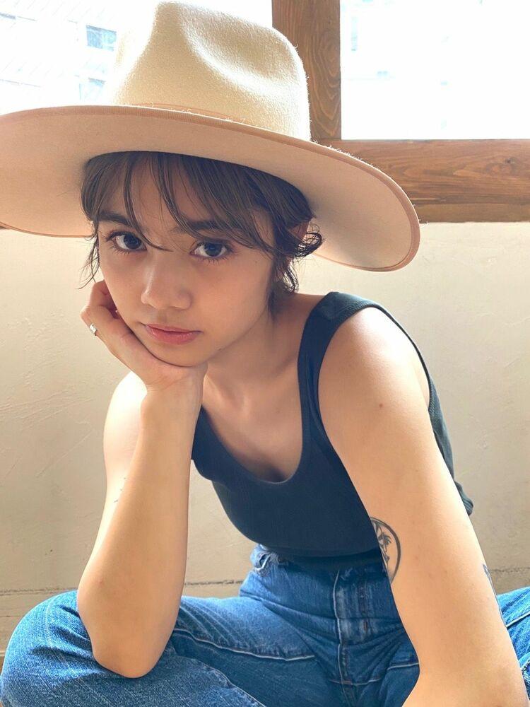 ショートヘアの帽子アレンジです✨