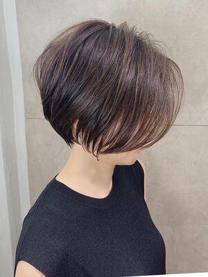 「mag ginza」30代からの丸みショートボブ×明るい白髪染めハイライトカラー