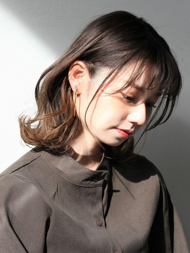大人のイメチェン☆暗髪インナーカラーのゆるっと外ハネカールボブ