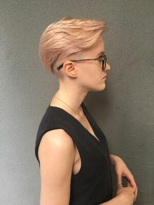『カラーリストNANA』ASSORT TOKYO シャーベットピンクヘア ショートヘア