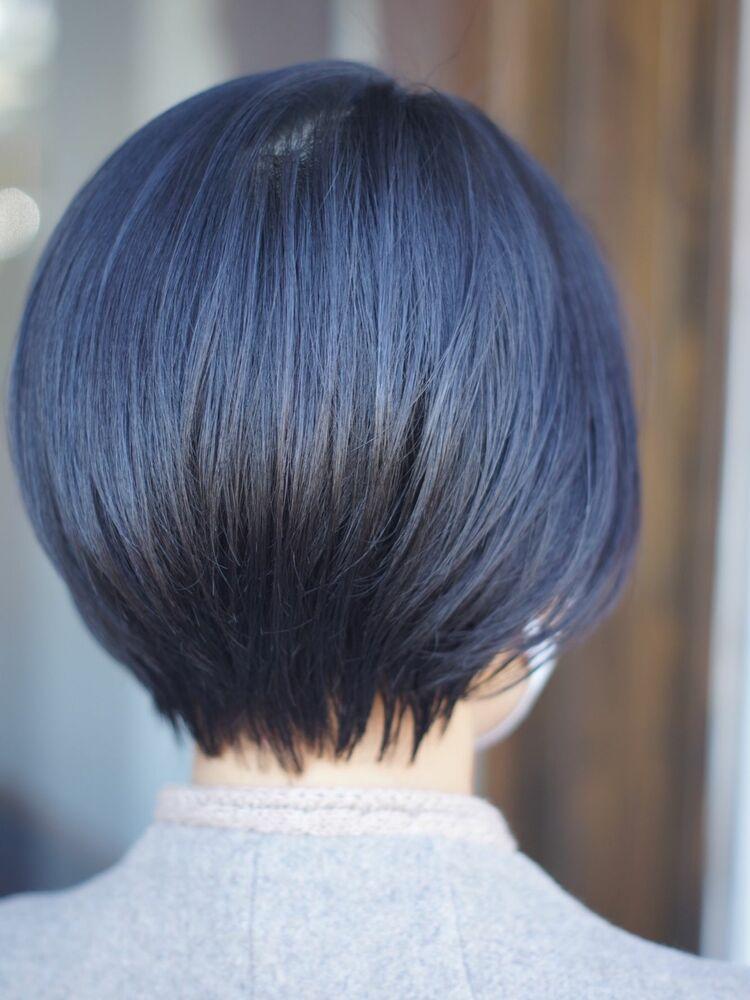 美シルエットのショートヘアー