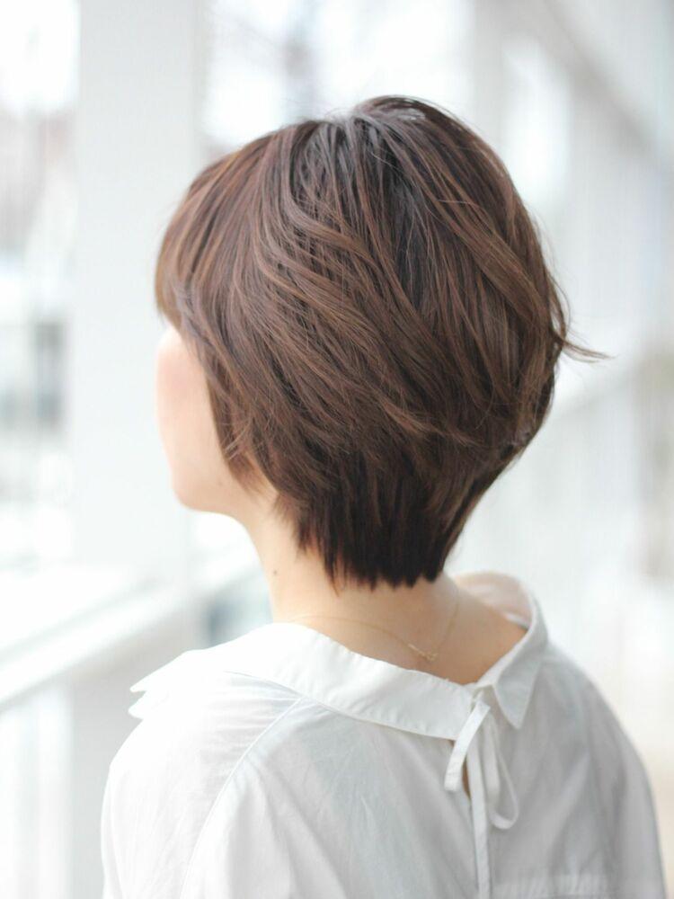 MissEssence甲斐/美シルエット パールグレージュ ボブ✕レイヤー ひし形 ショート