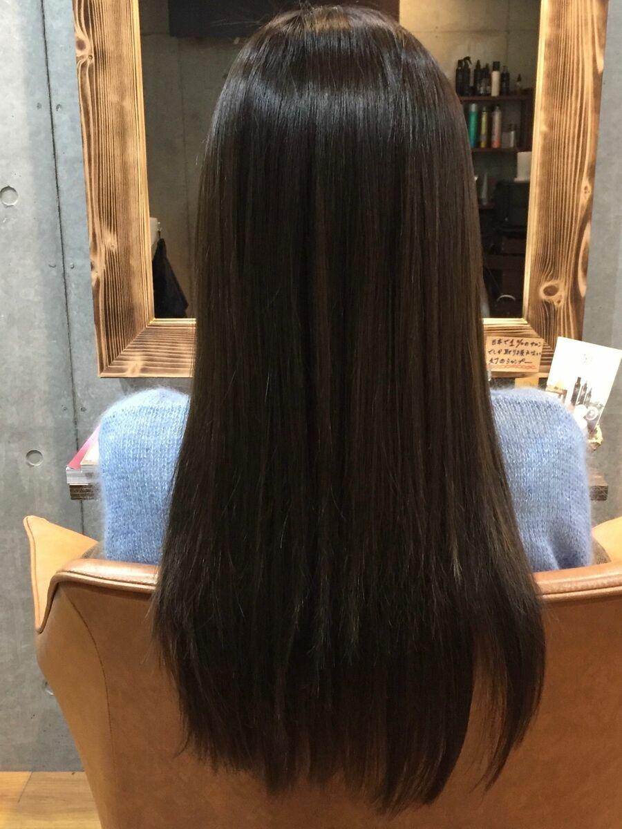 Tree Hair Salon 藤田健太郎。大人のツヤ髪ストレートロング。