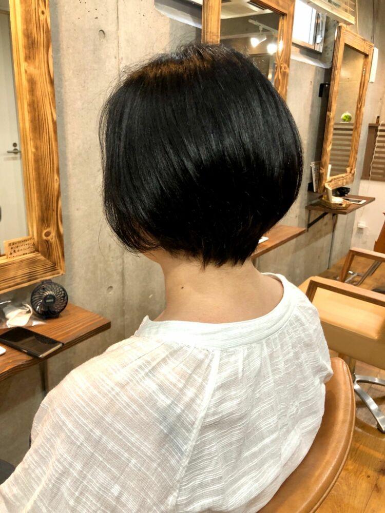 クセを活かしたふんわりショートヘア30代40代50代に人気のヘアスタイル