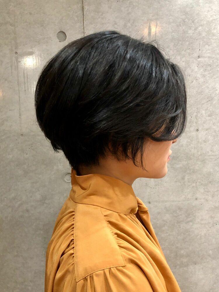 30代黒髪ハンサムショート