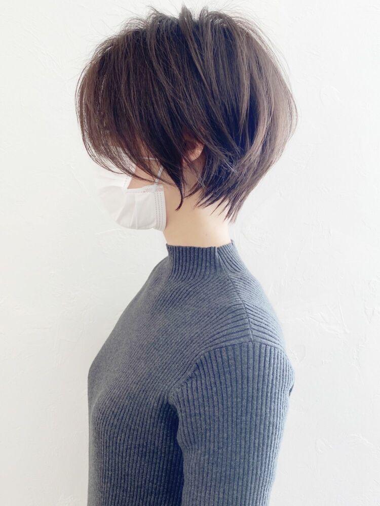 前髪長めの大人可愛いショートヘア