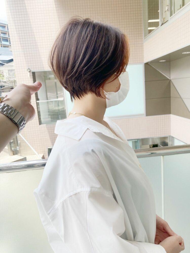 前髪長めの大人可愛いひし形大人ショートヘア