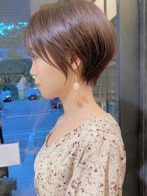 前髪ありマッシュショートヘア