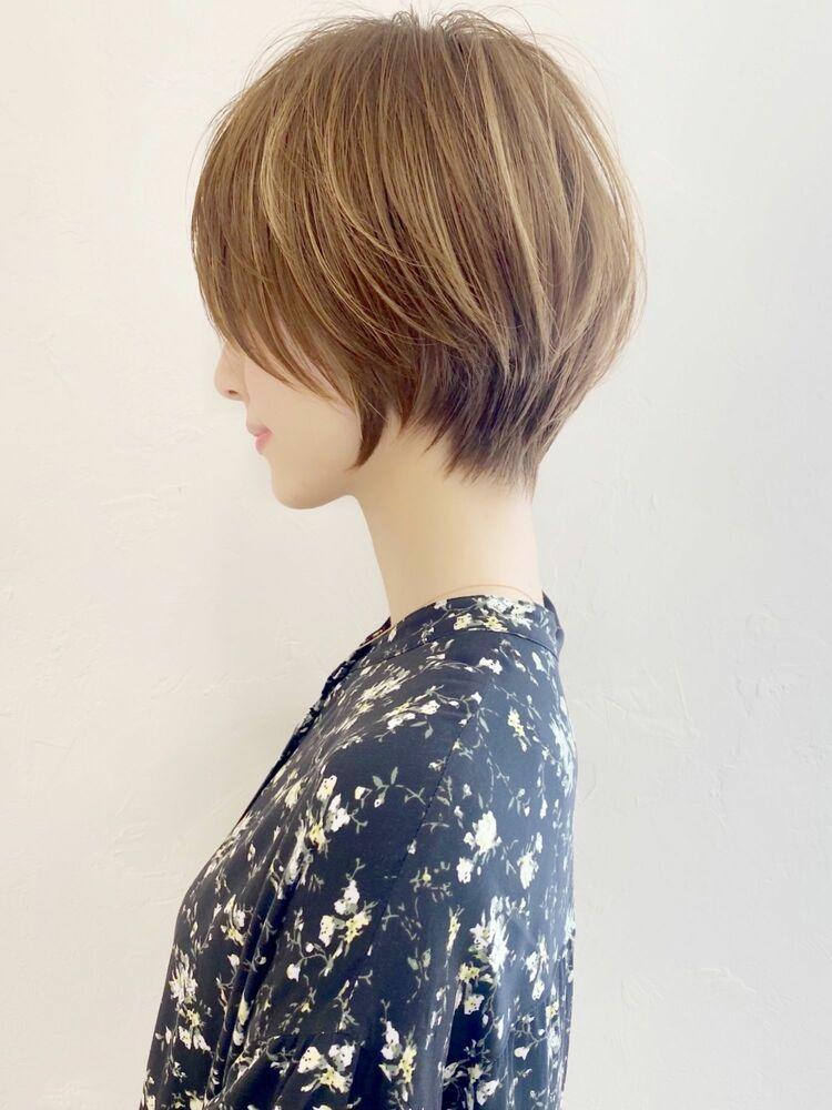 大人可愛い前髪ありのひし形ショートヘア