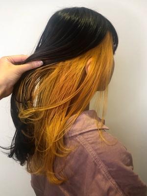 黒×黄色インナーカラー
