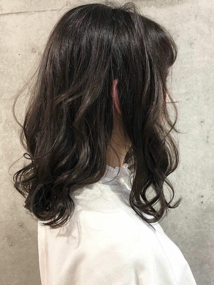 ACE 暗髪グレージュ×透明感ゆるふわミディアム 横浜駅から徒歩5分