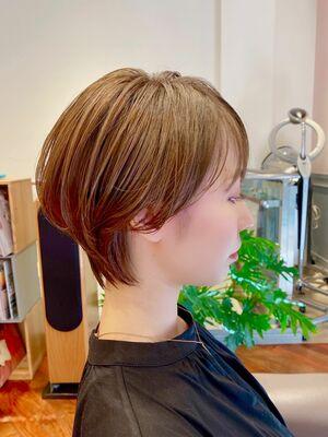 横顔美人◎大人可愛いショートヘア