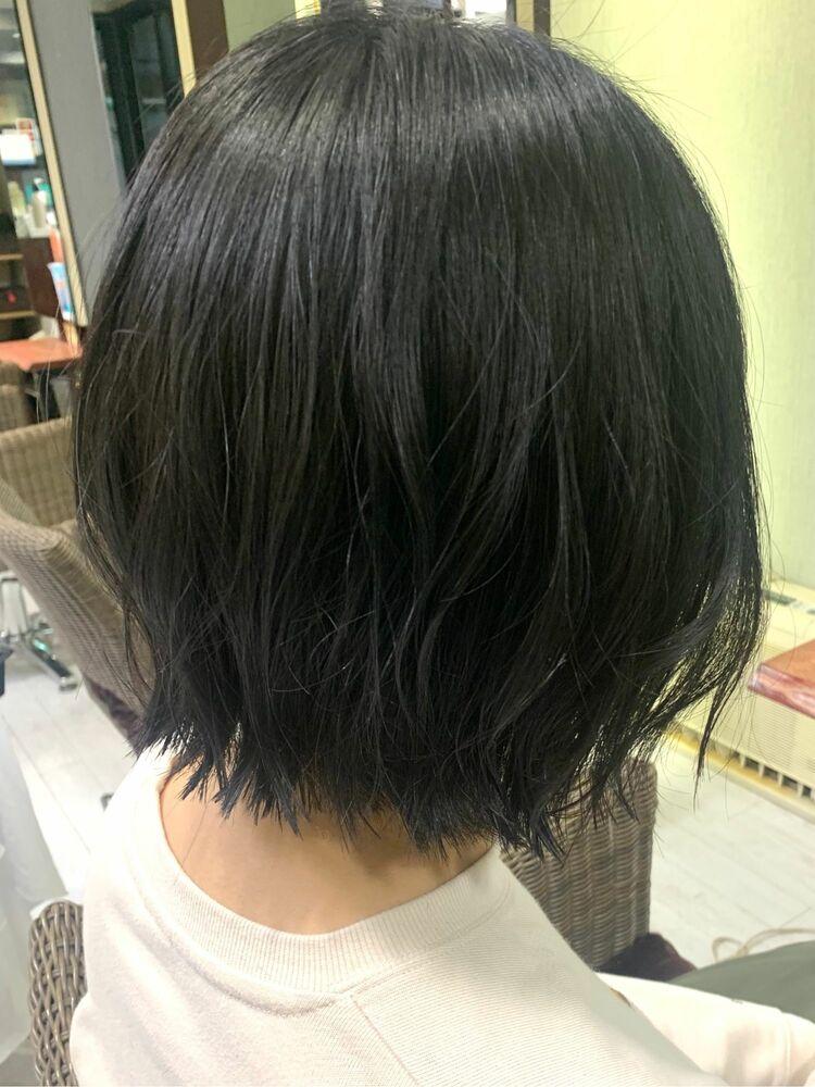 黒髪ショートボブ