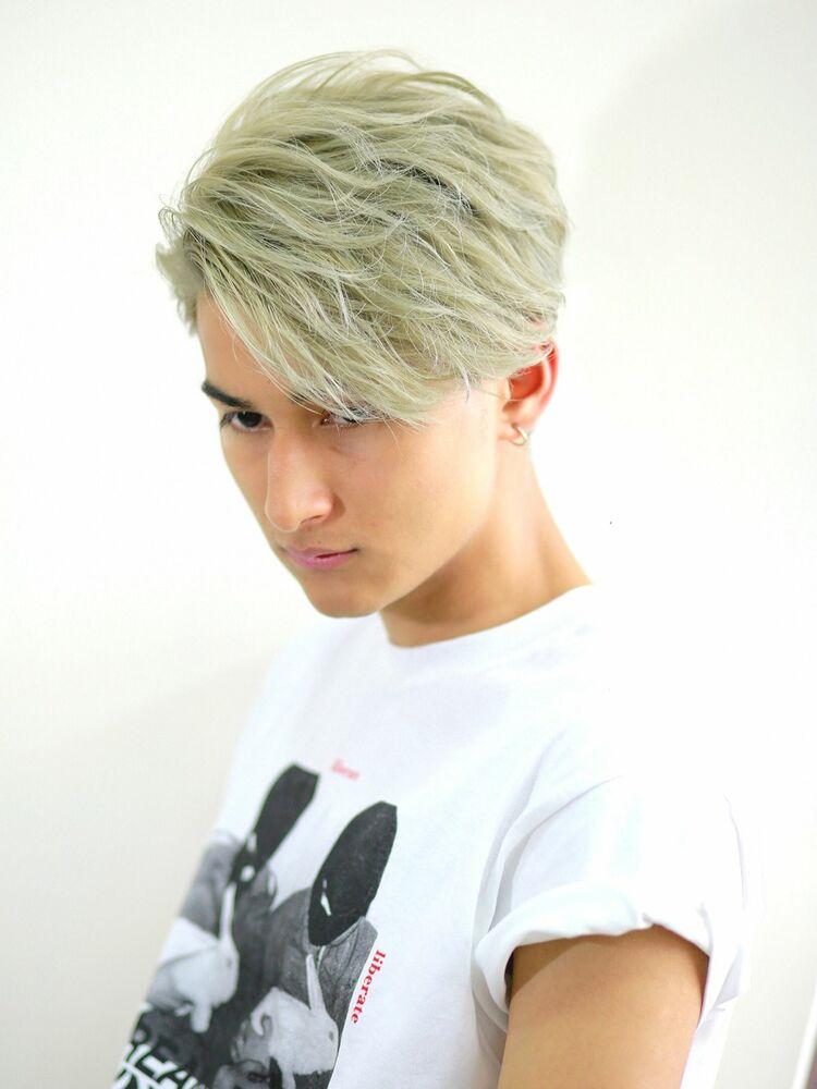 外国人風ホワイトヘア