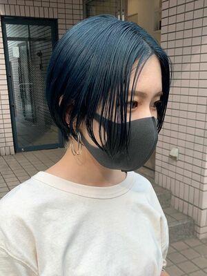 前髪なしハンサムショート×ブルーカラー