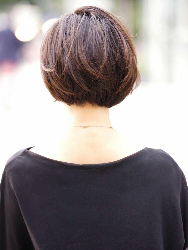 シアーカラー前髪短めボブ。耳かけでメリハリをつけ大人可愛いスタイルに!