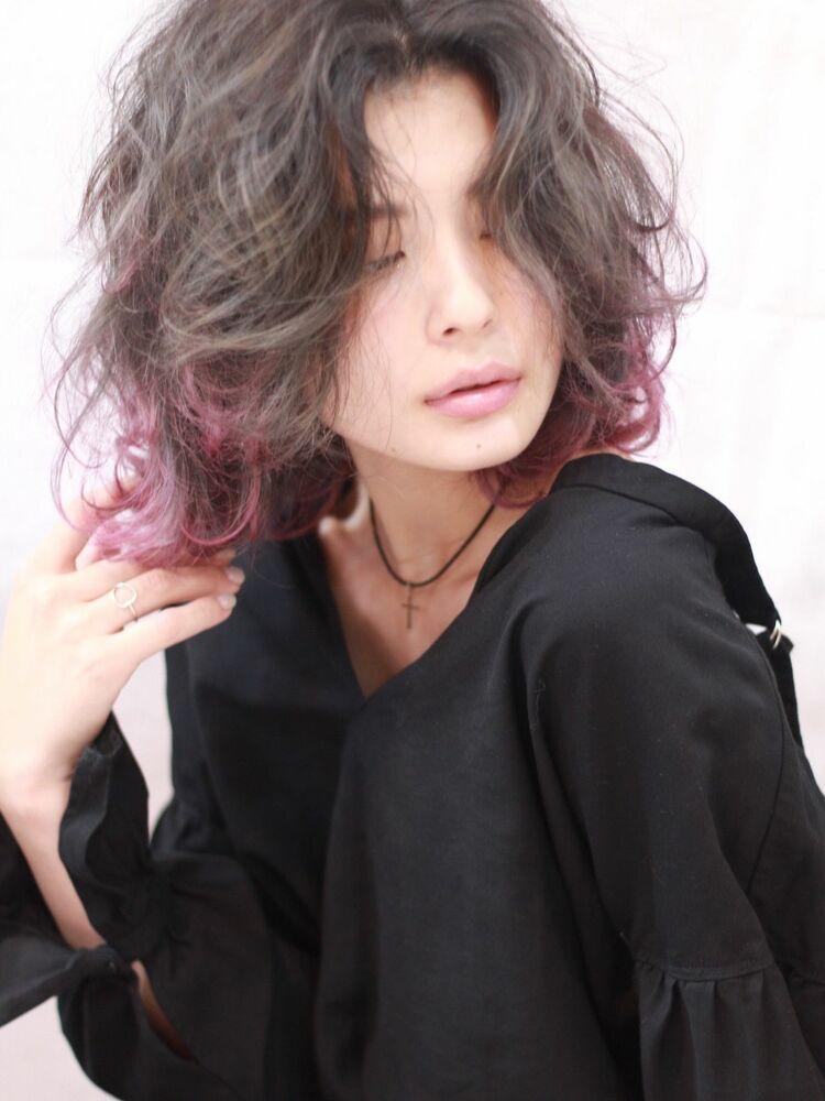 ピンクグラデーションカラーがオシャレ感アップ☆ミディスタイル
