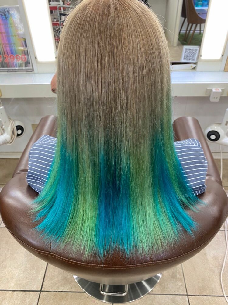 ミルクティーベージュから青×緑グラデーション🌿🌿🌿