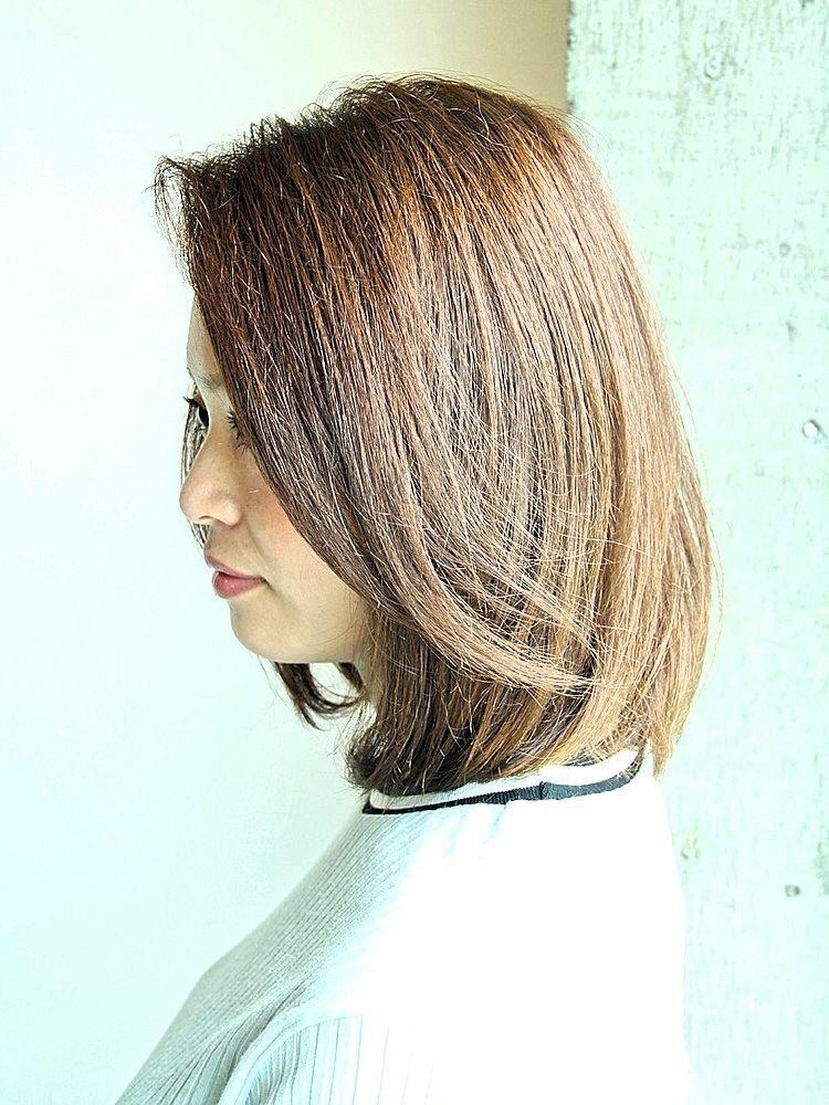 前髪長めのワンカールロブスタイル