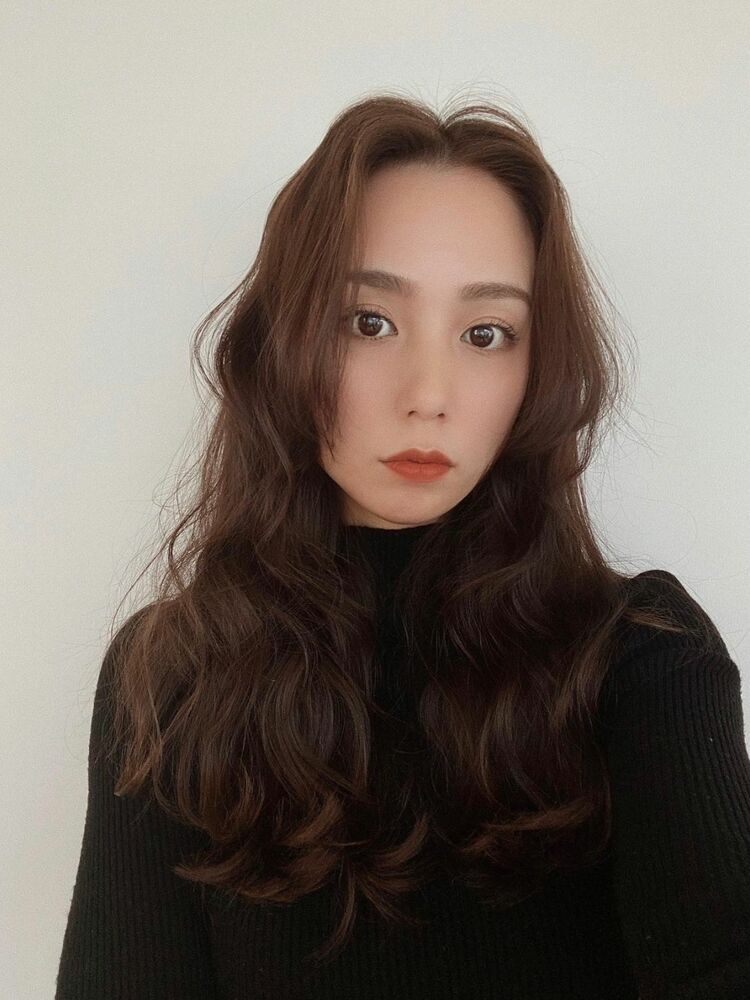 今、注目の韓国根元パーマで韓国風スタイルに☆根元が立ち上がって簡単にふんわり感がUP