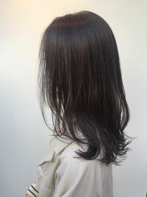 暗髪レイヤースタイル