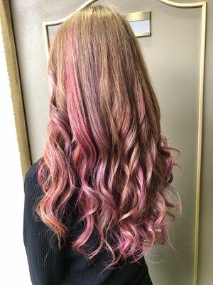 ハイトーンベースの髪の毛にピンクとパープルを入れてみたよー