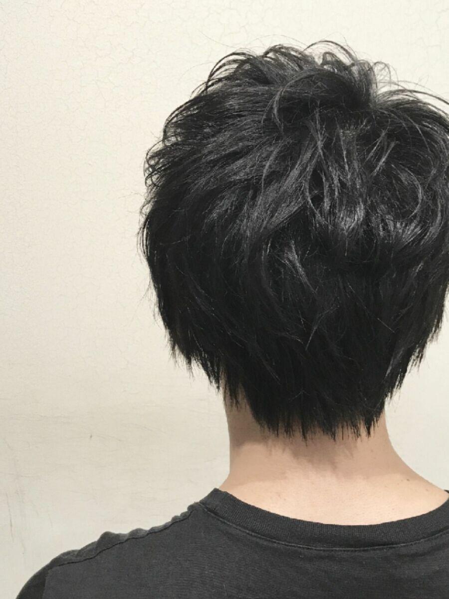Lond表参道スタイリスト冨田麻友《メンズヘア》