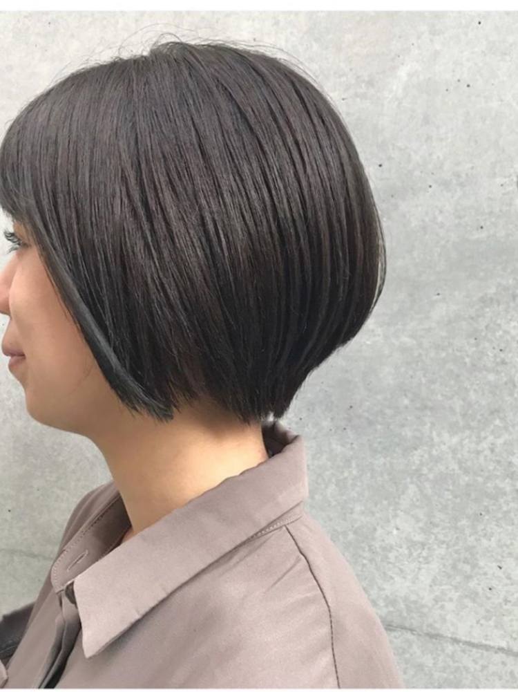 Lond表参道スタイリスト冨田麻友《アッシュカラーショートヘア》