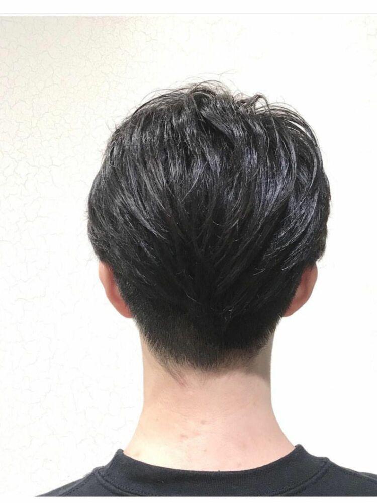 Lond表参道スタイリスト冨田麻友《アップバングメンズヘア》