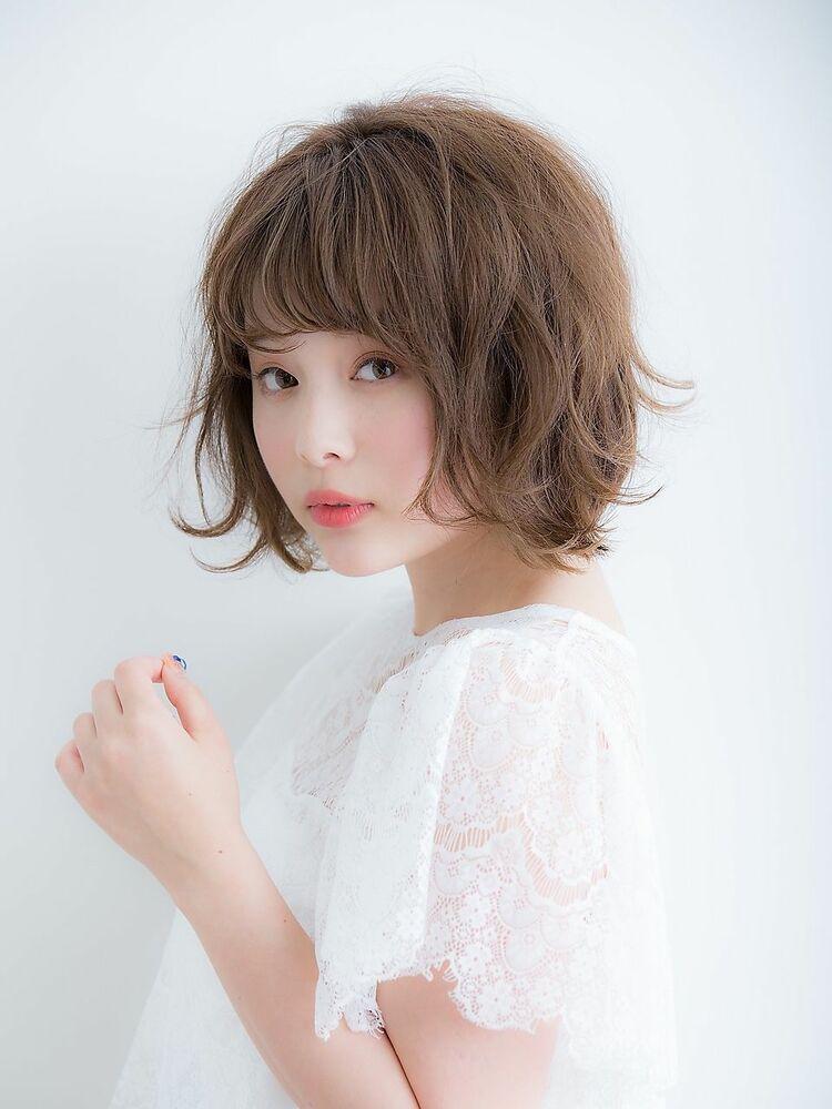 「Euphoria銀座グランデ 担当 金沢」はねカールが可愛いエアリーショートボブ♪
