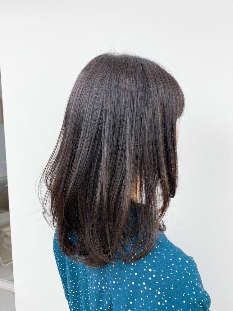 【ミディアムレイヤー】毛先の1カールが可愛い