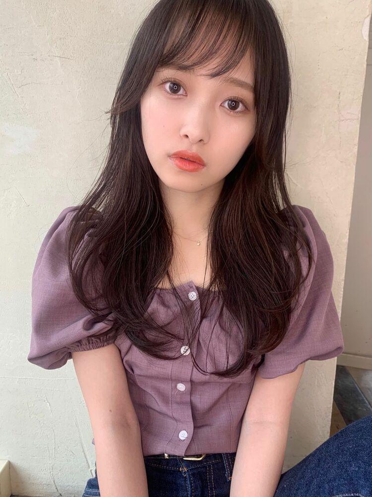 韓国風内巻きヘア 顔まわりレイヤー