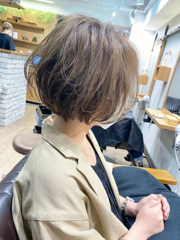 【mag】白髪ぼかしハイライト×横顔美人ショートボブ/【中村】