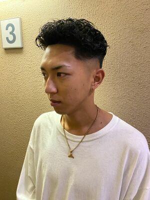 宮城リョウタ風パーマスラムダンク好きには一度は憧れを持った髪型の一つだと思います!