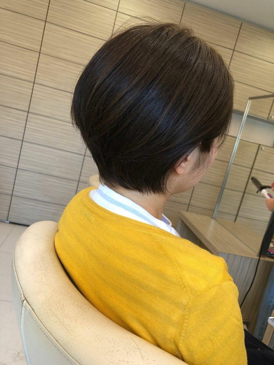 耳かけショートヘア