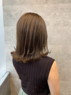 肩下ミディアムスタイル × 1bleachで ナチュラルブロンドカラー